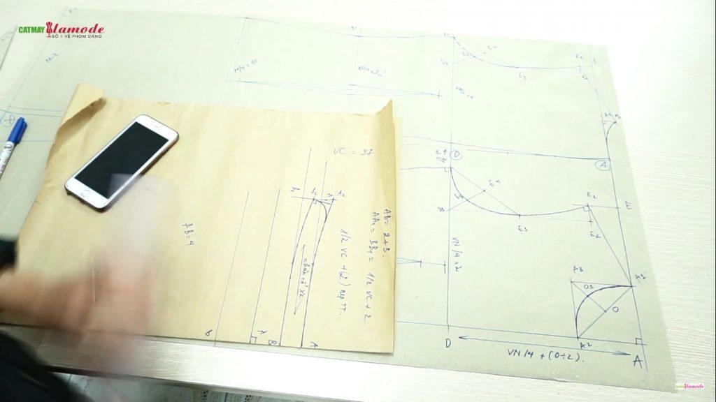 ban ve thiet ke co duc hoan chinh 1024x576 - Cách thiết kế cổ Đức